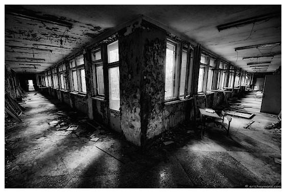 Contre-jour exposé pour les ombres - © Eric Heymans - Tchernobyl